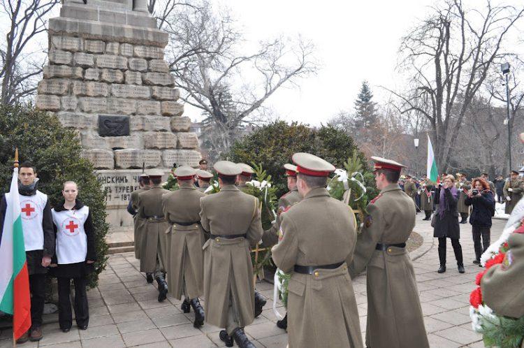 2012-03-02 панихида у Докторского памятника