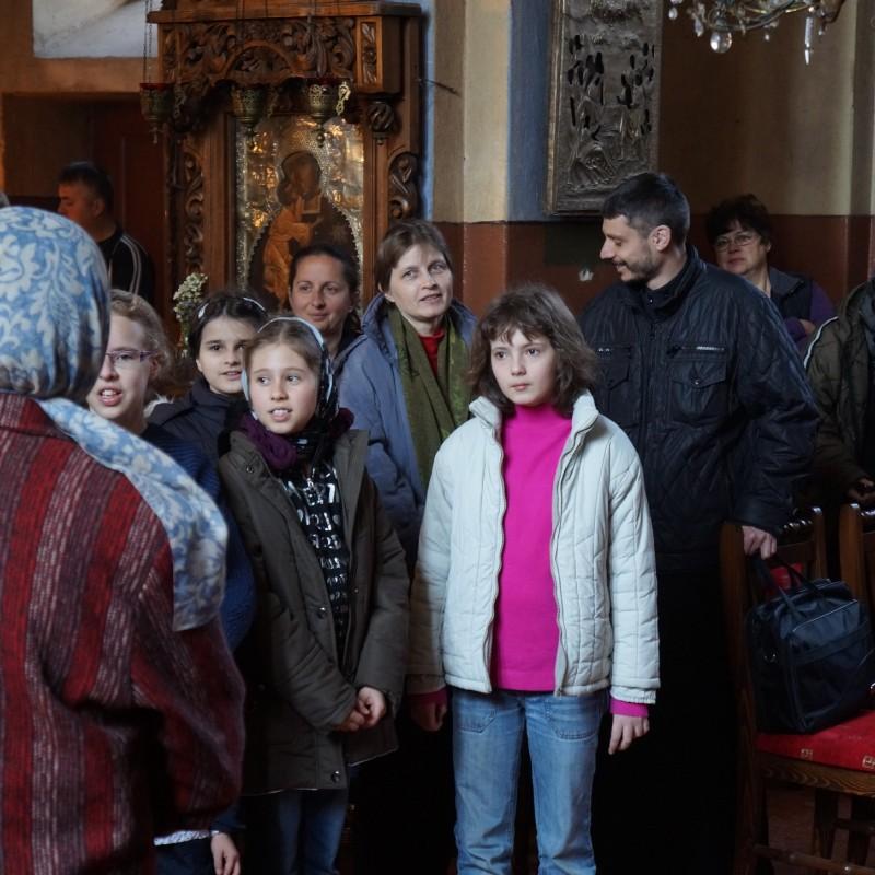 У Федоровской иконы Божией Матери
