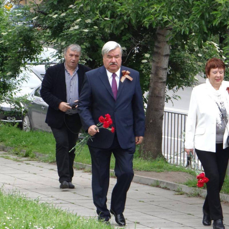 лития у памятника советским войнам 2