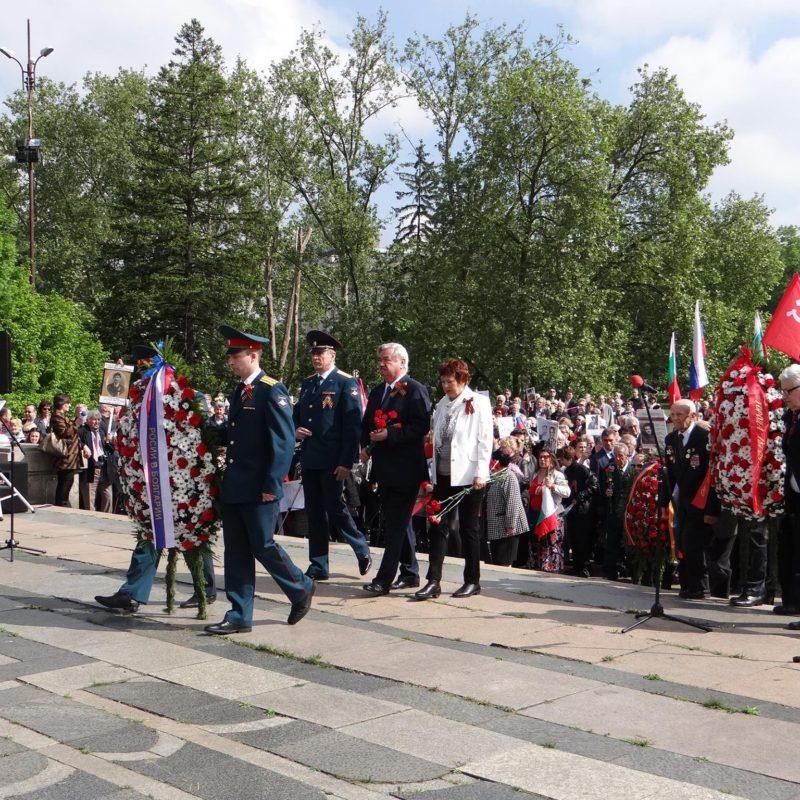 лития у памятника советским войнам 4