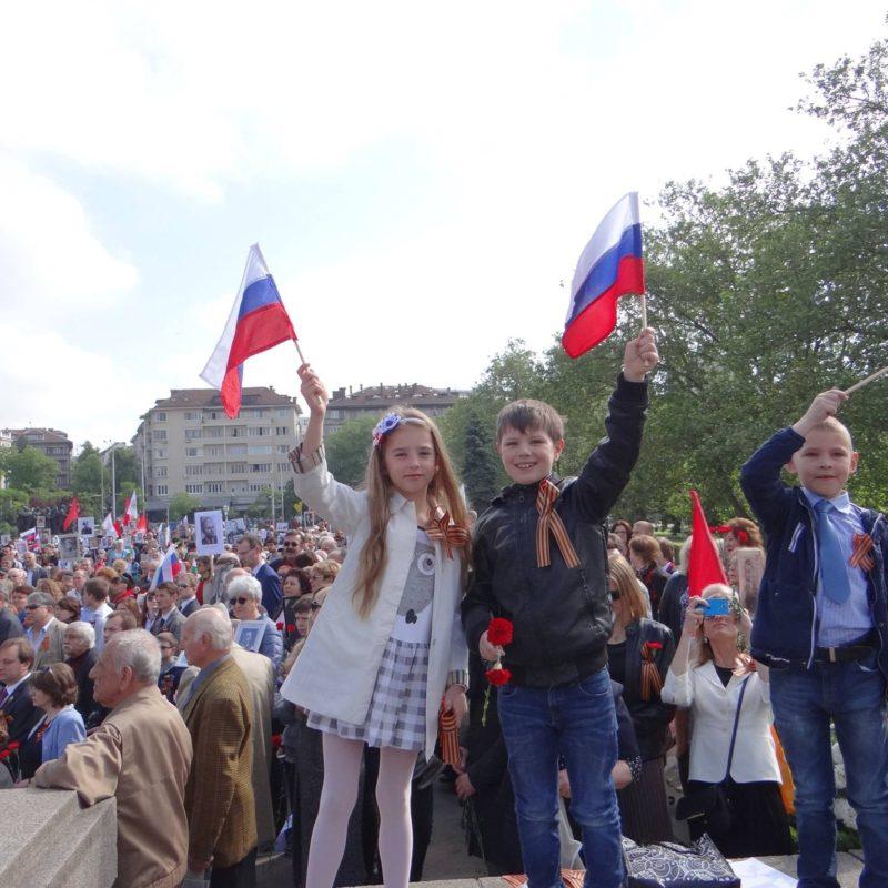 лития у памятника советским войнам 6