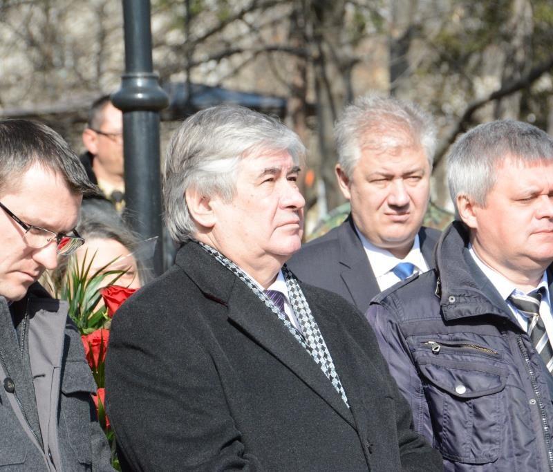 Заупокойная лития у докторского памятника (3)