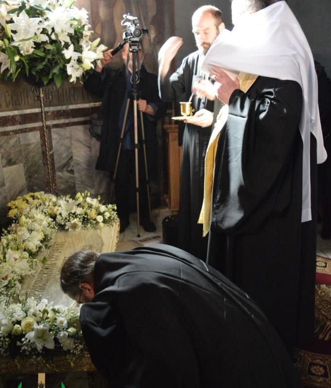 молебен у мощей свт. Серафима Софийского (11)