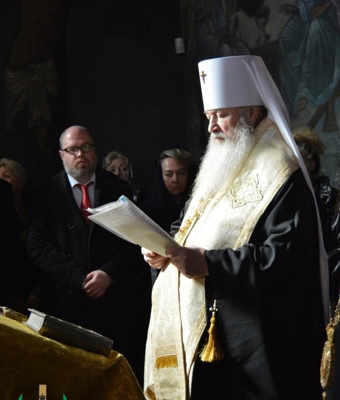 молебен у мощей свт. Серафима Софийского (3)