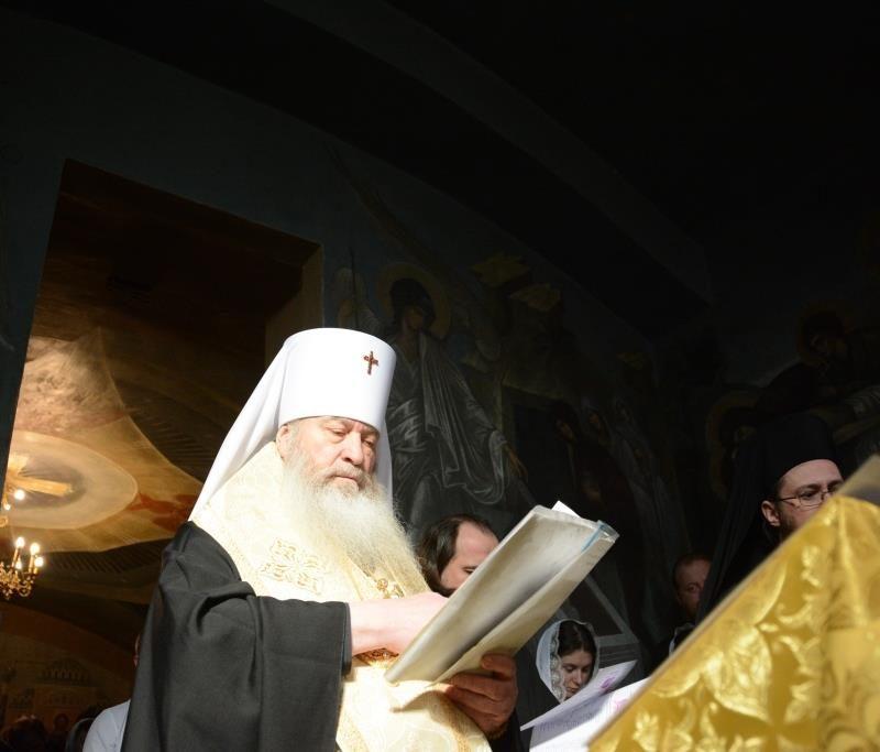 молебен у мощей свт. Серафима Софийского (4)