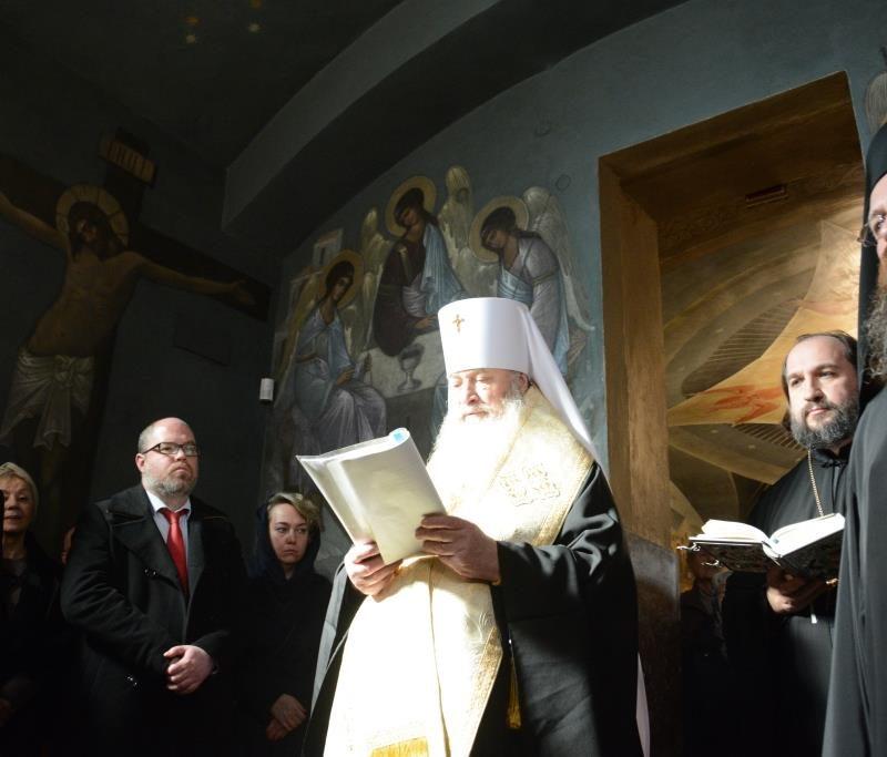 молебен у мощей свт. Серафима Софийского (6)
